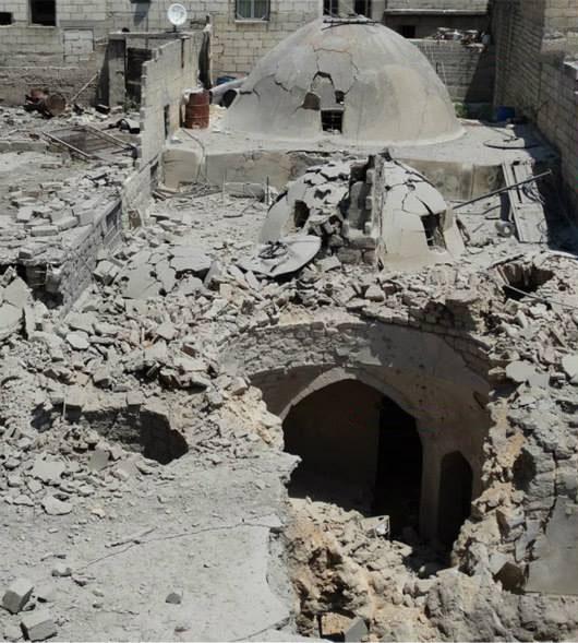 الأضرار في الحمام العثماني في كفر تخاريم بإدلب