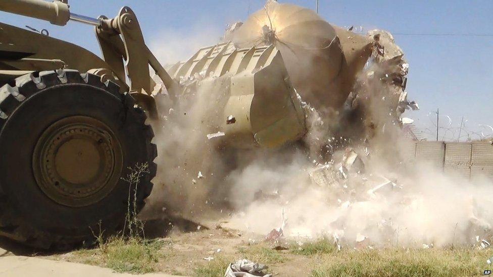 """مرقد """"قبر البنت"""" في الموصل- العراق"""